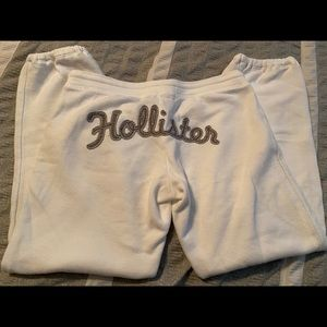 Hollister white sweatpants, cropped